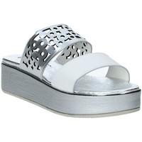 Cipők Női Papucsok Susimoda 183325-02 Ezüst