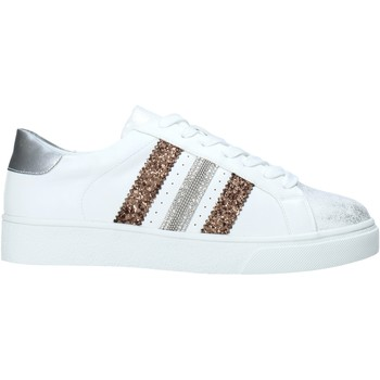 Cipők Női Rövid szárú edzőcipők Gold&gold A20 GA432 Fehér