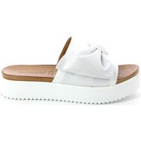 Cipők Női Papucsok Grunland CI1519 Fehér