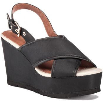 Cipők Női Szandálok / Saruk Lumberjack SW57906 001 M14 Fekete