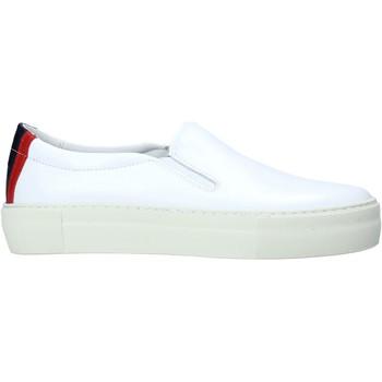 Cipők Férfi Belebújós cipők Tommy Hilfiger FM0FM02748 Fehér