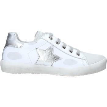 Cipők Gyerek Magas szárú edzőcipők Naturino 2014752 02 Fehér