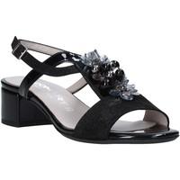 Cipők Női Szandálok / Saruk Comart 083308 Fekete