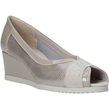 Cipők Női Szandálok / Saruk Comart 023353 Bézs
