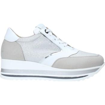 Cipők Női Rövid szárú edzőcipők Comart 1A3468 Ezüst