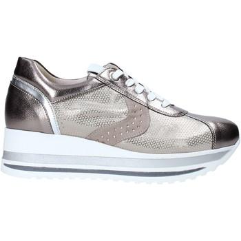 Cipők Női Rövid szárú edzőcipők Comart 1A3467ST Bézs