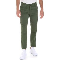 Ruhák Férfi Chino nadrágok / Carrot nadrágok Les Copains 9U3320 Zöld