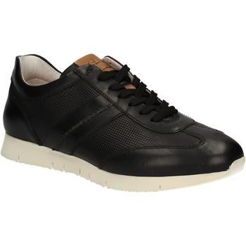 Cipők Férfi Rövid szárú edzőcipők Maritan G 140658 Fekete