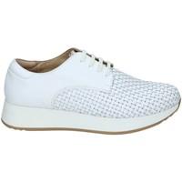 Cipők Női Rövid szárú edzőcipők Stonefly 108432 Fehér