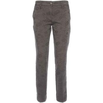 Ruhák Női Chino nadrágok / Carrot nadrágok NeroGiardini A760010D Fekete