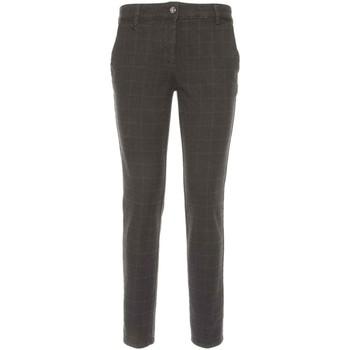 Ruhák Női Chino nadrágok / Carrot nadrágok NeroGiardini A760020D Fekete