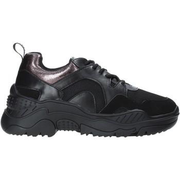 Cipők Női Rövid szárú edzőcipők Gold&gold B19 GS35 Fekete