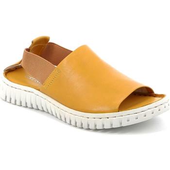 Cipők Női Szandálok / Saruk Grunland SA2538 Sárga