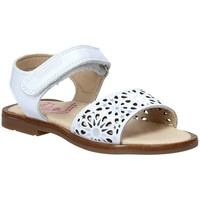 Cipők Lány Szandálok / Saruk Pablosky 0533 Fehér