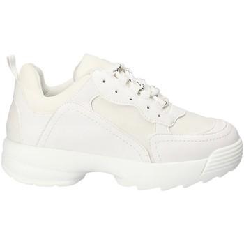 Cipők Női Rövid szárú edzőcipők Gold&gold B18 GT531 Fehér