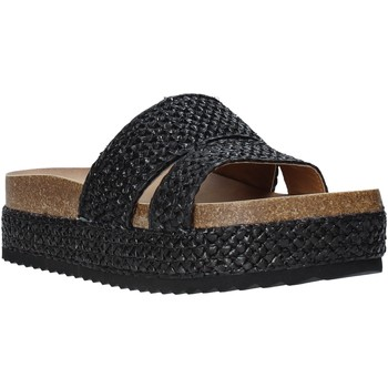 Cipők Női Papucsok Gold&gold A20 GJ302 Fekete