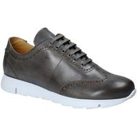Cipők Férfi Rövid szárú edzőcipők Exton 333 Szürke
