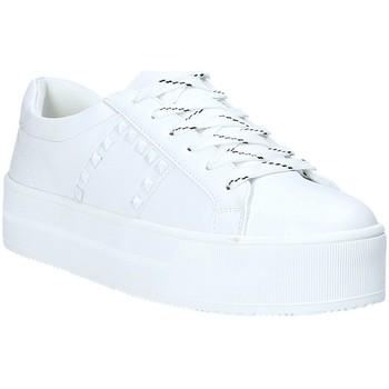 Cipők Női Rövid szárú edzőcipők Gold&gold A19 GT863 Fehér
