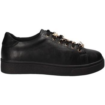 Cipők Női Rövid szárú edzőcipők Gold&gold B18 GT515 Fekete