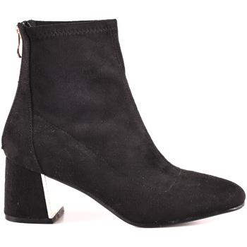 Cipők Női Bokacsizmák Gold&gold B18 GY07 Fekete