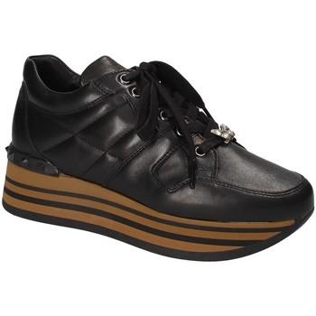Cipők Női Rövid szárú edzőcipők Triver Flight 232-11A Fekete