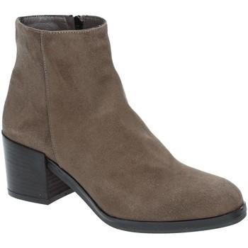 Cipők Női Bokacsizmák Grace Shoes 1826 Barna