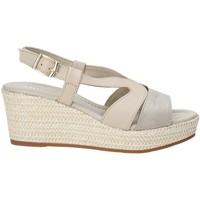 Cipők Női Szandálok / Saruk Valleverde 32211 Bézs