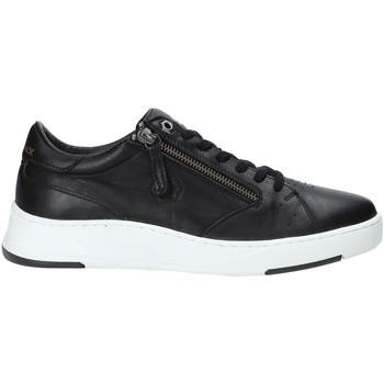 Cipők Férfi Rövid szárú edzőcipők Lumberjack SM59105 002 B38 Fekete