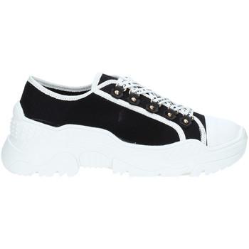 Cipők Női Rövid szárú edzőcipők Gold&gold A19 GT728 Fekete