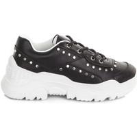Cipők Női Rövid szárú edzőcipők Gold&gold A19 GT860 Fekete