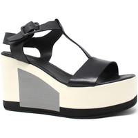 Cipők Női Szandálok / Saruk Marco Ferretti 660299MF Fekete