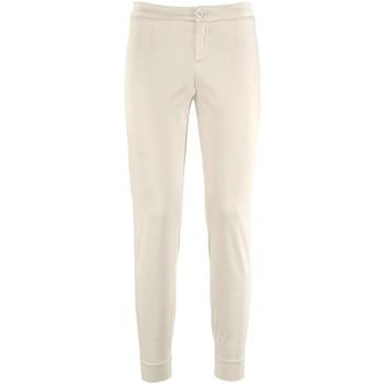 Ruhák Női Chino nadrágok / Carrot nadrágok NeroGiardini P960510D Bézs