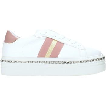 Cipők Női Rövid szárú edzőcipők Gold&gold B19 GA139 Fehér