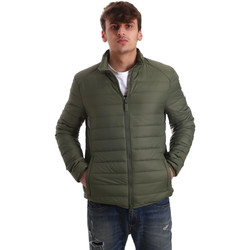 Ruhák Férfi Steppelt kabátok Invicta 4431683/U Zöld
