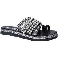 Cipők Női Papucsok Gold&gold A18 ES286 Fekete