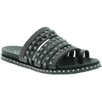 Cipők Női Szandálok / Saruk 18+ 6135 Fekete