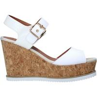 Cipők Női Szandálok / Saruk Lumberjack SW83106 001 Q85 Fehér