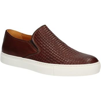 Cipők Férfi Belebújós cipők Rogers 2236B Barna