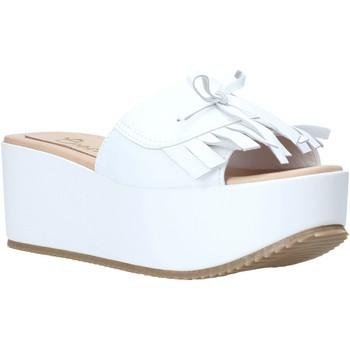Cipők Női Papucsok Grace Shoes C3 Fehér
