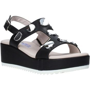 Cipők Női Szandálok / Saruk Comart 503430 Fekete