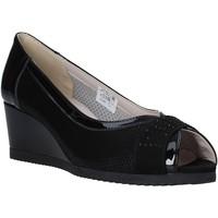 Cipők Női Szandálok / Saruk Comart 023353 Fekete