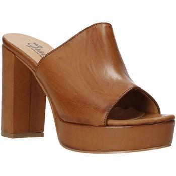 Cipők Női Papucsok Grace Shoes 492PL008 Barna