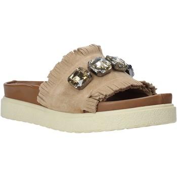 Cipők Női Papucsok Bueno Shoes CM2217 Bézs
