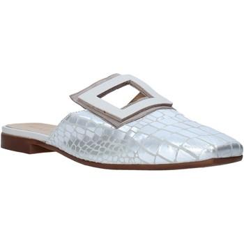 Cipők Női Klumpák Mally 6886 Ezüst