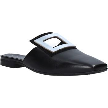 Cipők Női Klumpák Mally 6886 Fekete