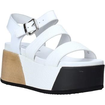 Cipők Női Szandálok / Saruk Cult CLE104335 Fehér