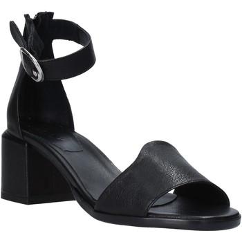 Cipők Női Szandálok / Saruk Mally 6866G Fekete