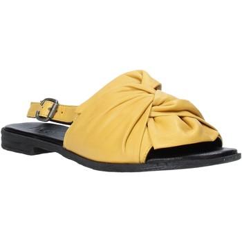Cipők Női Szandálok / Saruk Bueno Shoes Q2005 Sárga