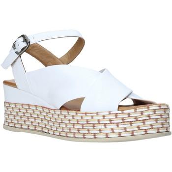 Cipők Női Szandálok / Saruk Bueno Shoes Q5901 Fehér