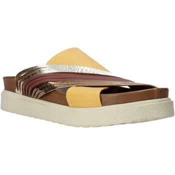 Cipők Női Papucsok Bueno Shoes CM2206 Sárga
